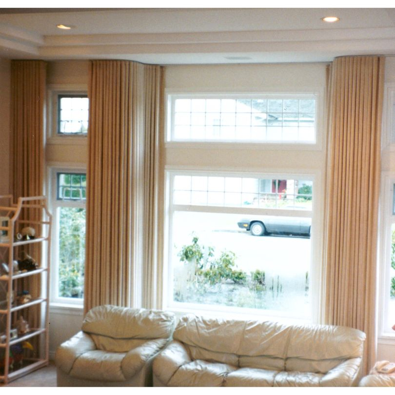 90 degree Bay Window Spring Crest drapery