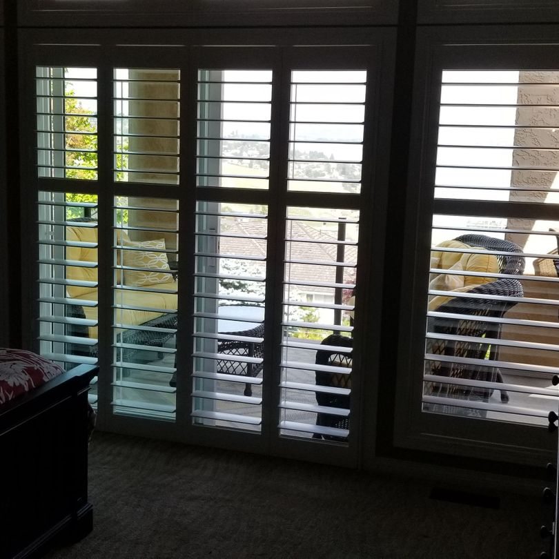Shutters, Hunter Douglas Shutters, Palm Beach Shutters, S.P. Interiors, Framed Shutters, Split View Shutters, Divider Bar, Shutter Installation, Bi Fold Shutters